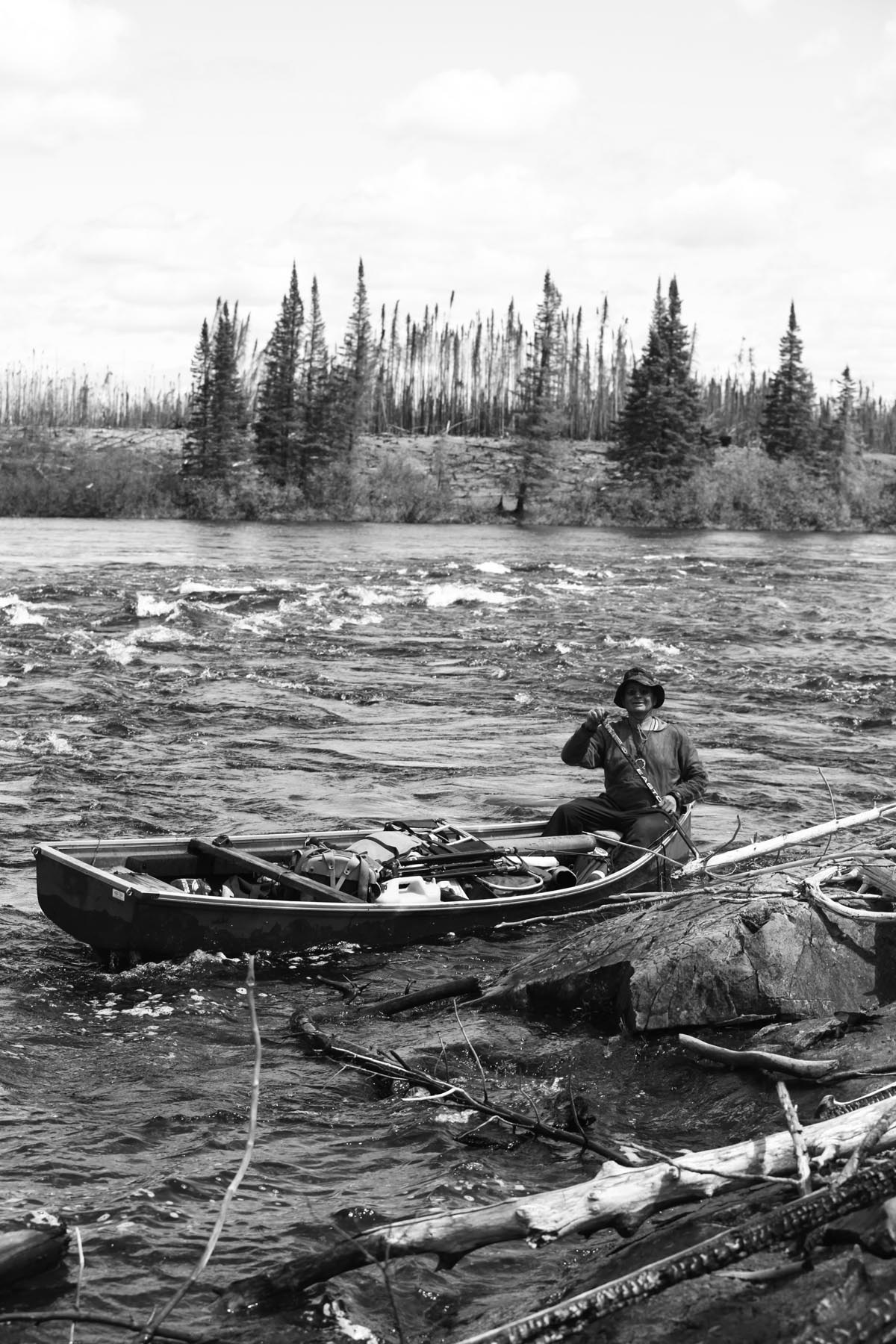 Duo canoeing to Hudson Bay reach Wunnumin Lake | Wawatay